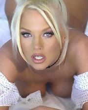 Sexy picture of Chloe Jones