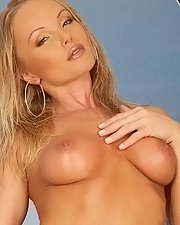 Sexy picture of Silvia Saint